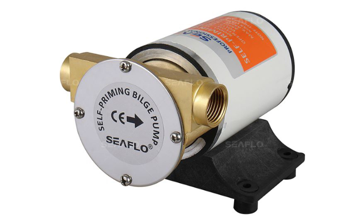 Samonasávací čerpadlo 12 V Seaflo