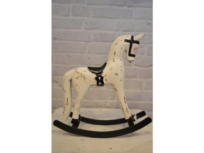 Drevený hojdací kôň