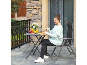 malý zahradní stolek šedý