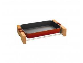 Litinový pekáč 22x30cm s dřevěným podstavcem - červený