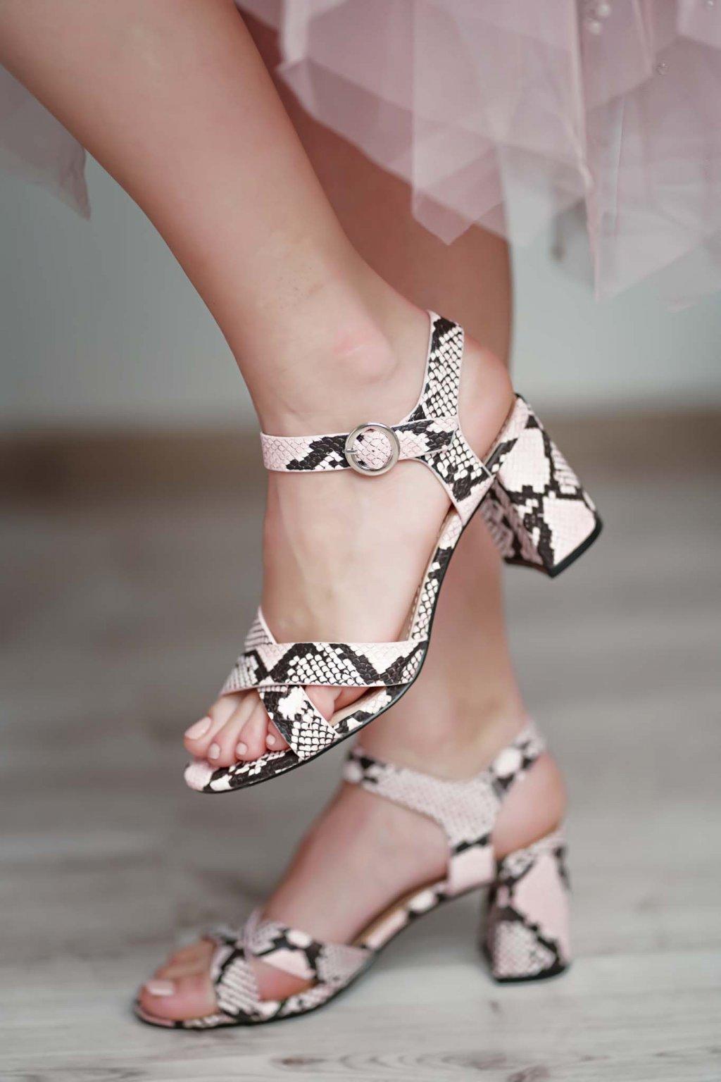 topánky, obuv, tenisky, botasky, lodičky, čižmy, šľapky, sandálky 525