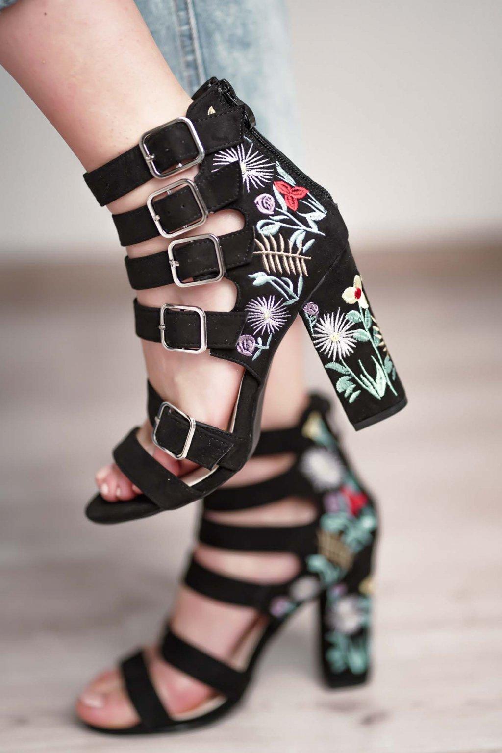 topánky, obuv, tenisky, botasky, lodičky, čižmy, šľapky, sandálky 485