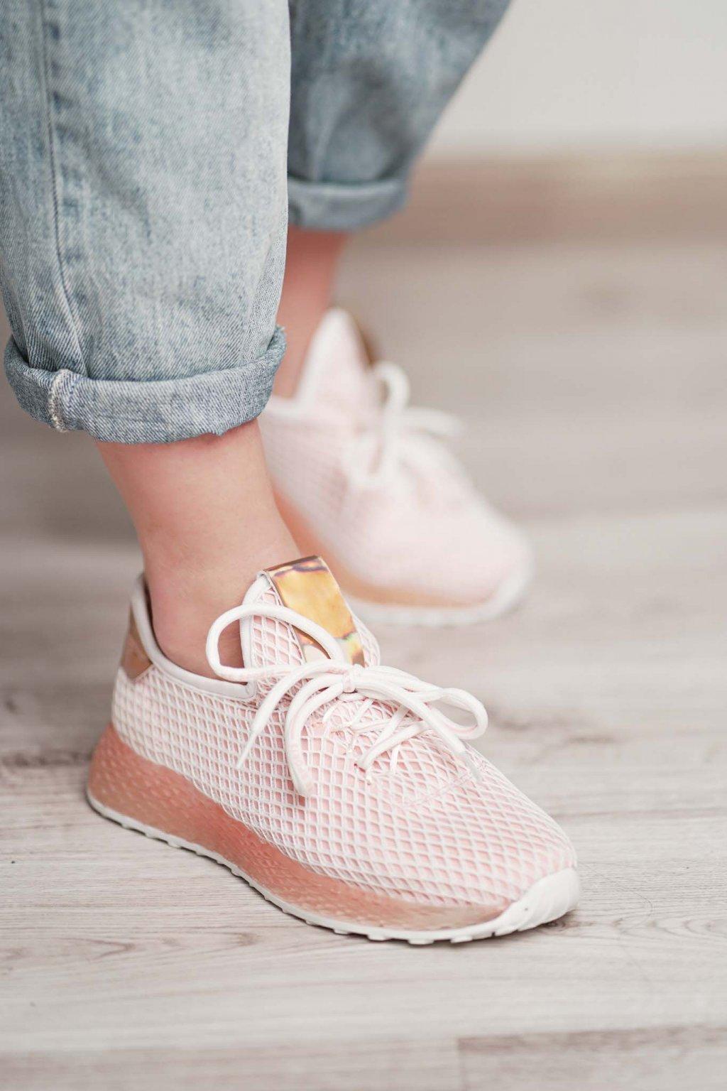 topánky, obuv, tenisky, botasky, lodičky, čižmy, šľapky, sandálky 444