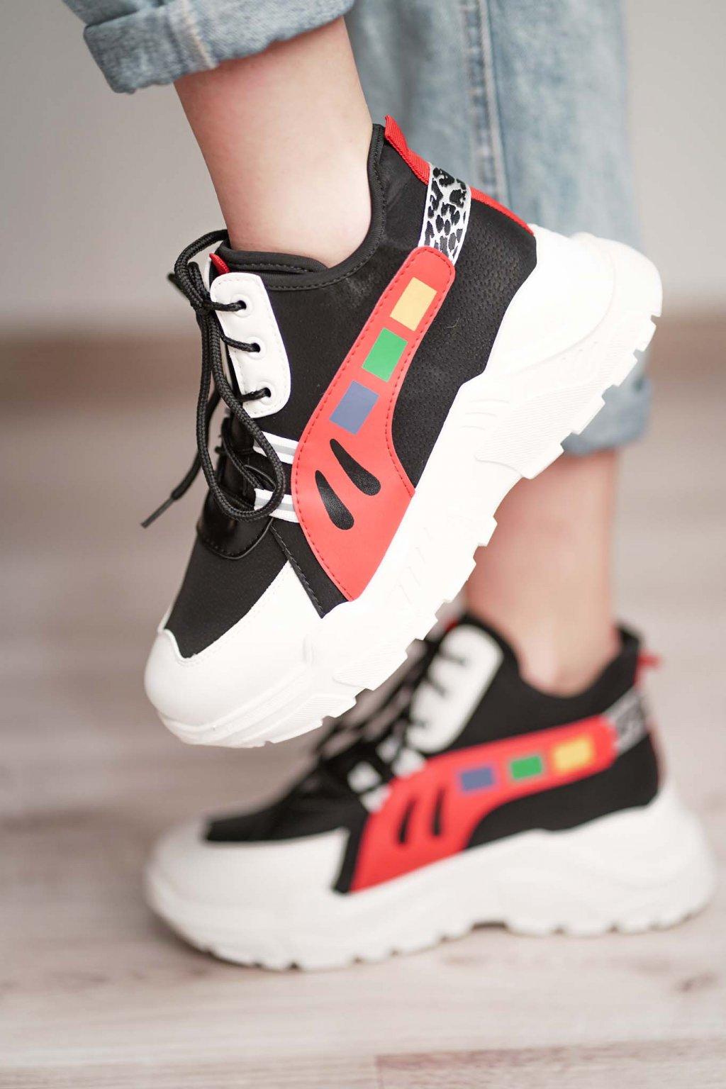 topánky, obuv, tenisky, botasky, lodičky, čižmy, šľapky, sandálky 438