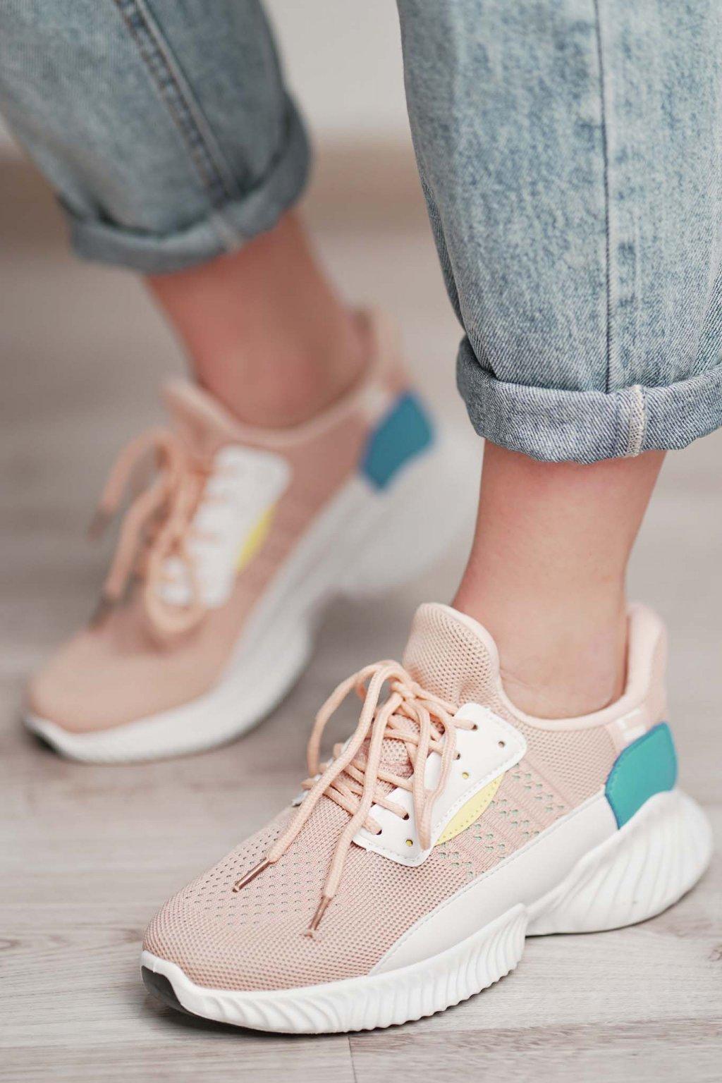 topánky, obuv, tenisky, botasky, lodičky, čižmy, šľapky, sandálky 430
