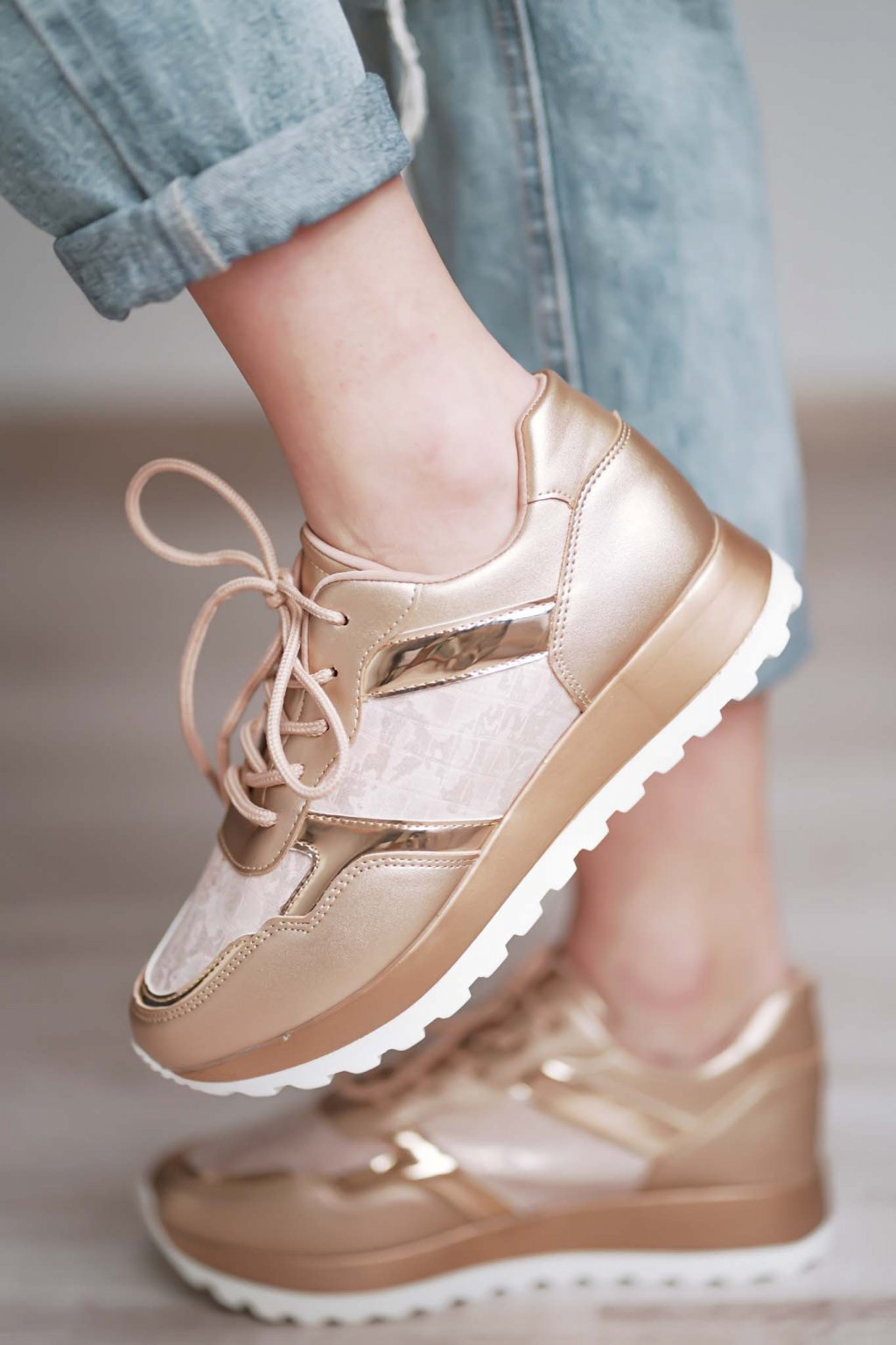 topánky, obuv, tenisky, botasky, lodičky, čižmy, šľapky, sandálky 592