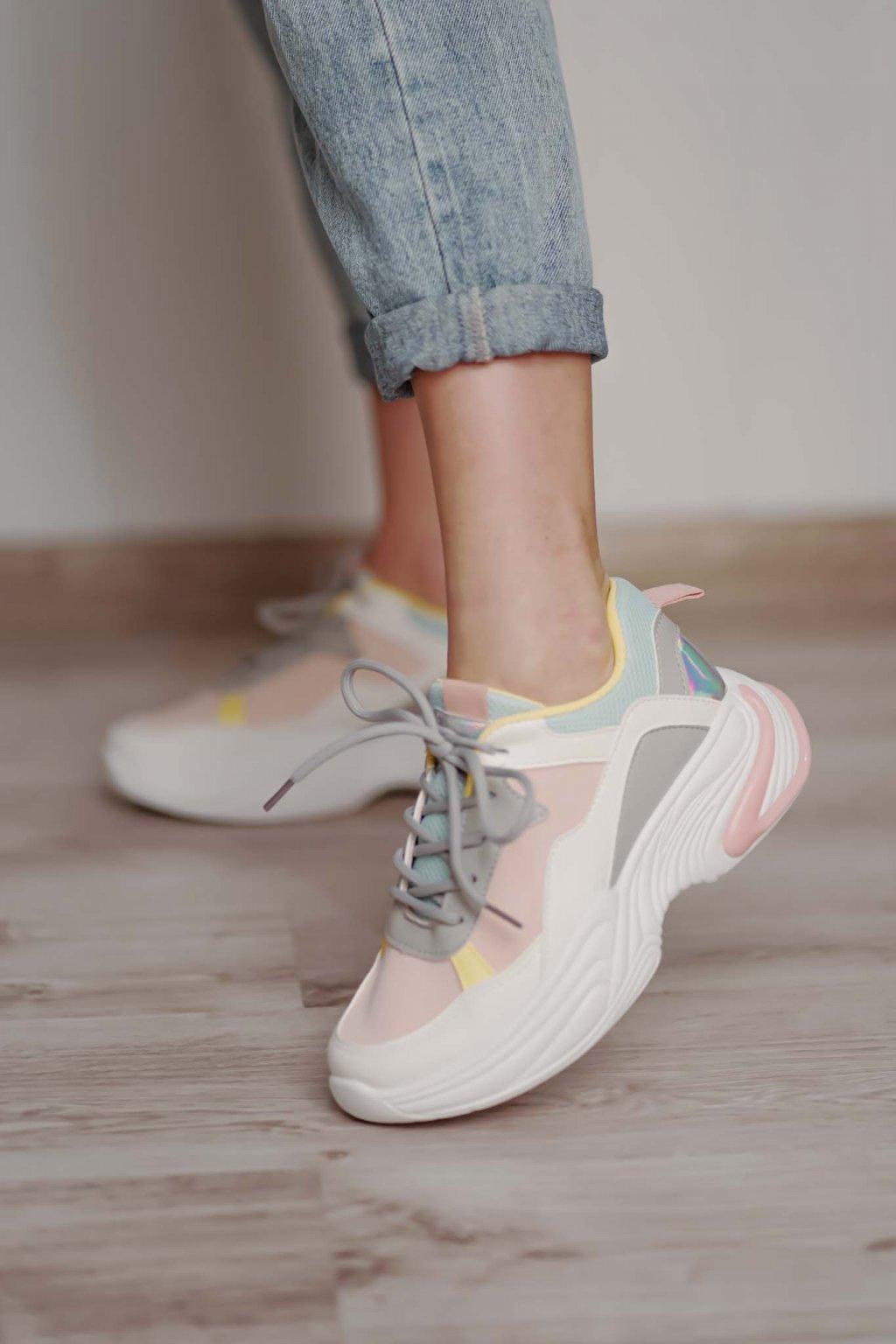 topánky, obuv, tenisky, botasky, lodičky, čižmy, šľapky, sandálky 551