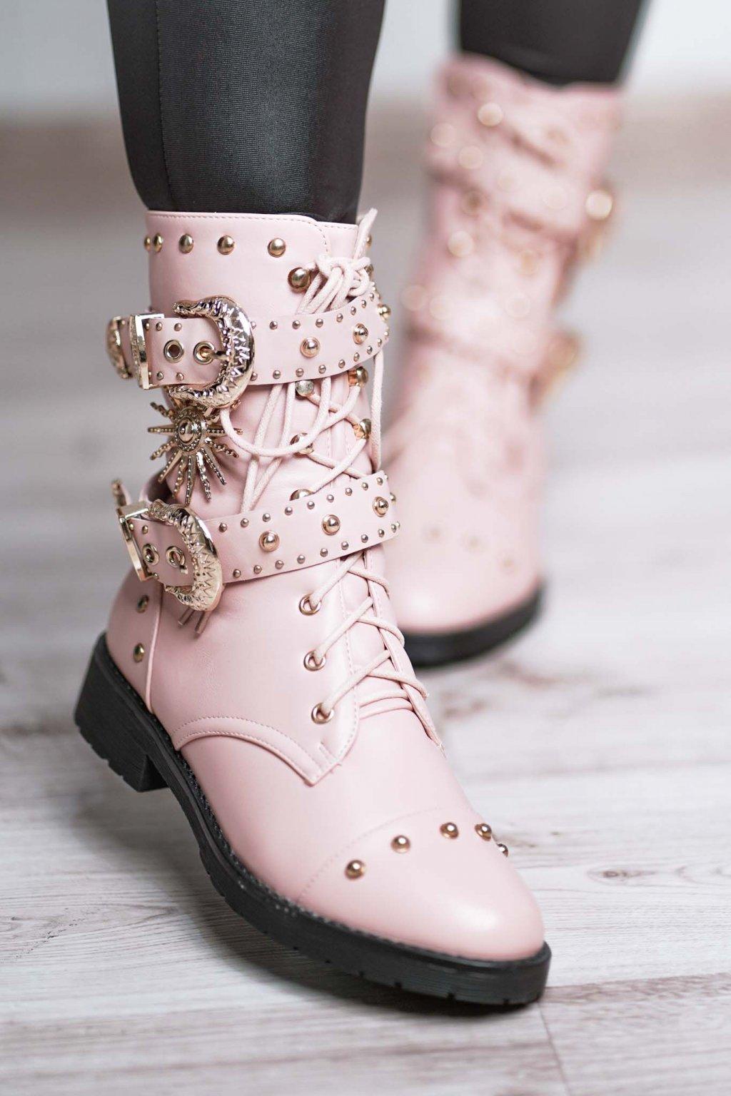 topánky, obuv, tenisky, botasky, lodičky, čižmy, šľapky, sandálky 370