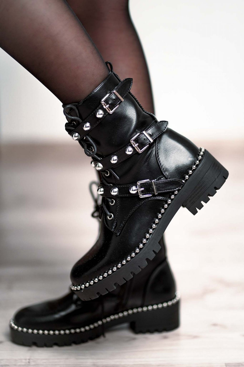 topánky, obuv, tenisky, botasky, lodičky, čižmy, šľapky, sandálky 313