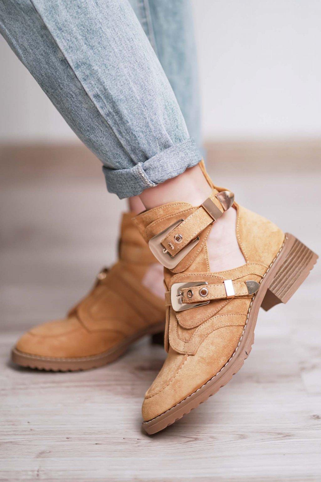 topánky, obuv, tenisky, botasky, lodičky, čižmy, šľapky, sandálky 318