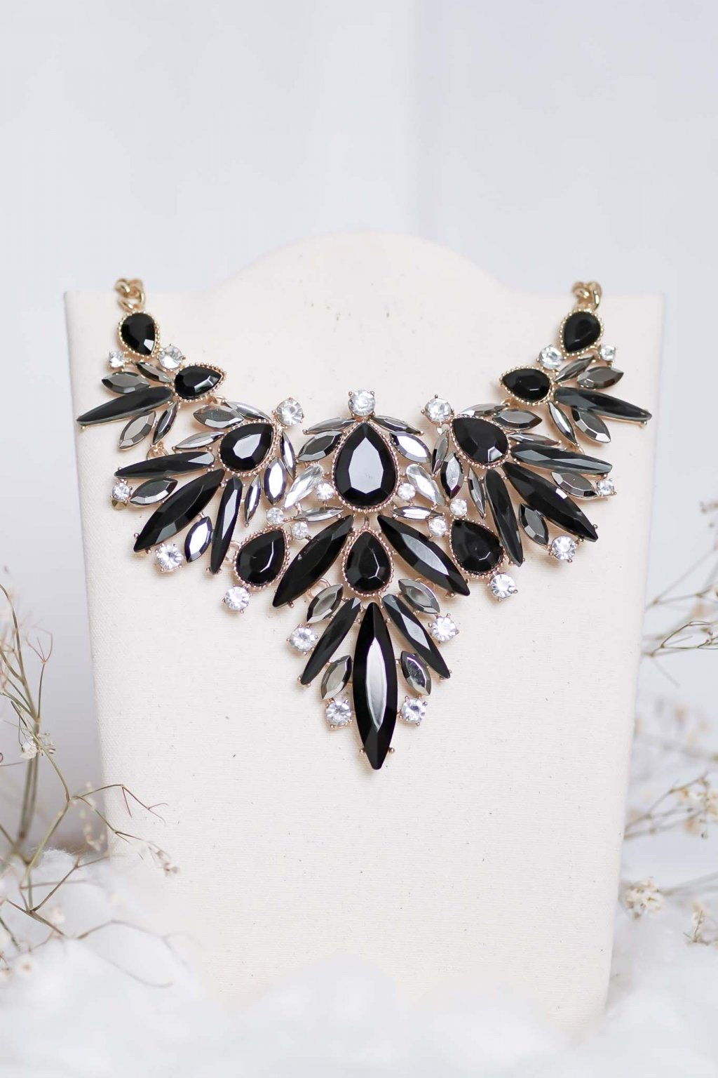 náhrdelník, šperk, spoločenská náhrdelník, náhrdelník na bežný deň, výrazný náhrdelník, jemný náhrdelník, šperky, náhrdelník na ples, svadbu, stužkovú 80