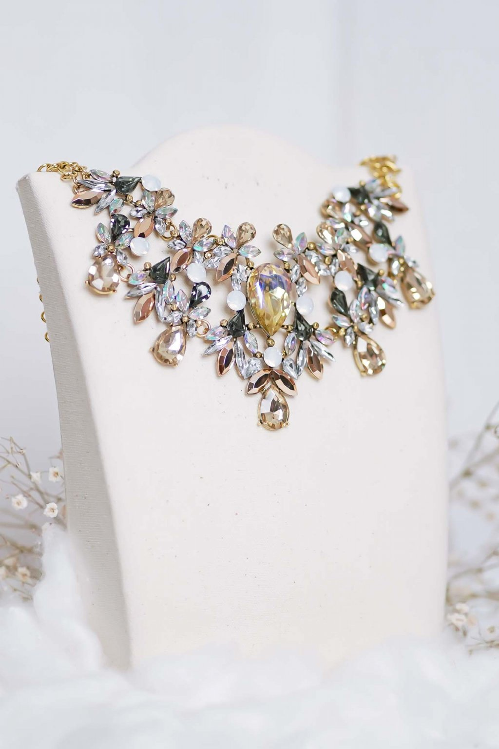 náhrdelník, šperk, spoločenská náhrdelník, náhrdelník na bežný deň, výrazný náhrdelník, jemný náhrdelník, šperky, náhrdelník na ples, svadbu, stužkovú 68