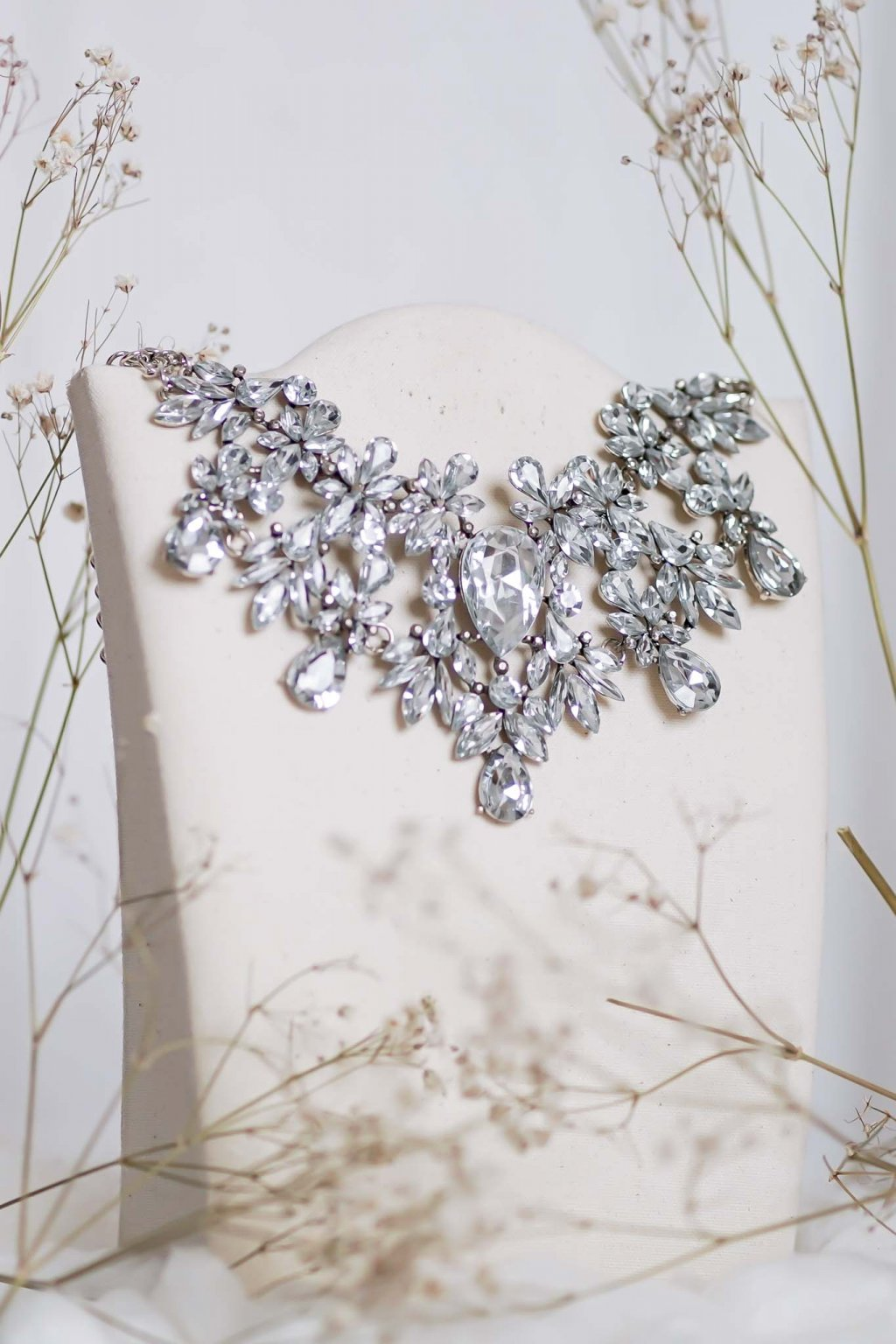 náhrdelník, spoločenský, bežný deň, kamienkový, farebný, čierny, strieborný, zelený, cyklamenévy, náhrdelník, bižuteria, šperk, šperky, ples, stužková, svadba, 113