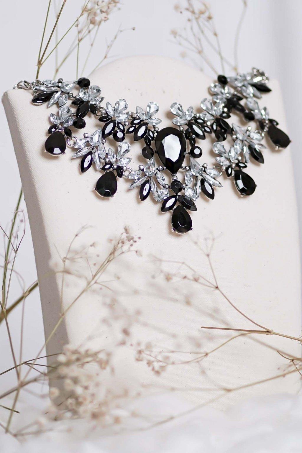 náhrdelník, spoločenský, bežný deň, kamienkový, farebný, čierny, strieborný, zelený, cyklamenévy, náhrdelník, bižuteria, šperk, šperky, ples, stužková, svadba, 110