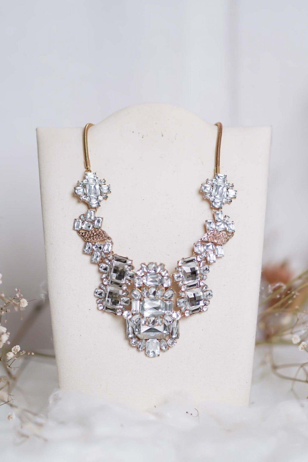 náhrdelník, spoločenský, bežný deň, kamienkový, farebný, čierny, strieborný, zelený, cyklamenévy, náhrdelník, bižuteria, šperk, šperky, ples, stužková, svadba, 105