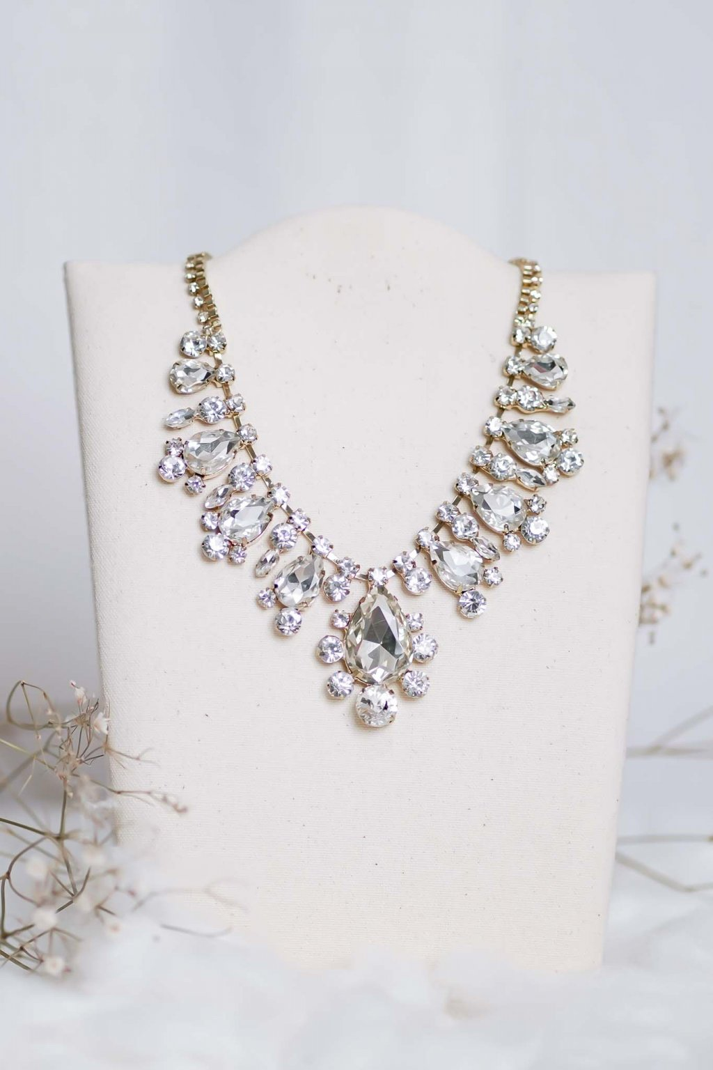 náhrdelník, spoločenský, bežný deň, kamienkový, farebný, čierny, strieborný, zelený, cyklamenévy, náhrdelník, bižuteria, šperk, šperky, ples, stužková, svadba, 013