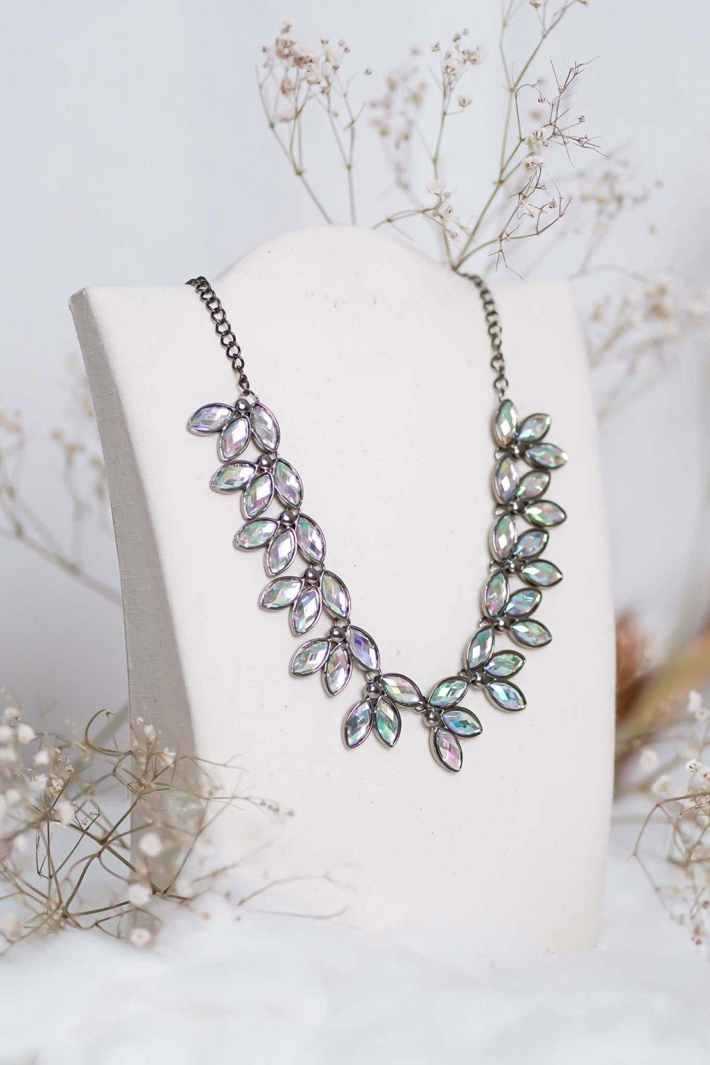 náhrdelník, spoločenský, bežný deň, kamienkový, farebný, čierny, strieborný, zelený, cyklamenévy, náhrdelník, bižuteria, šperk, šperky, ples, stužková, svadba, 033