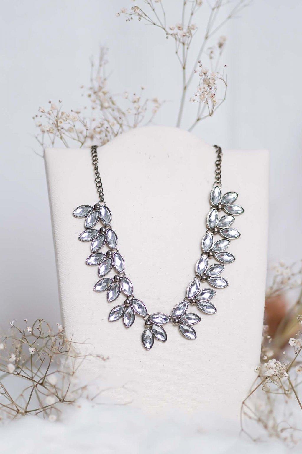 náhrdelník, spoločenský, bežný deň, kamienkový, farebný, čierny, strieborný, zelený, cyklamenévy, náhrdelník, bižuteria, šperk, šperky, ples, stužková, svadba, 025