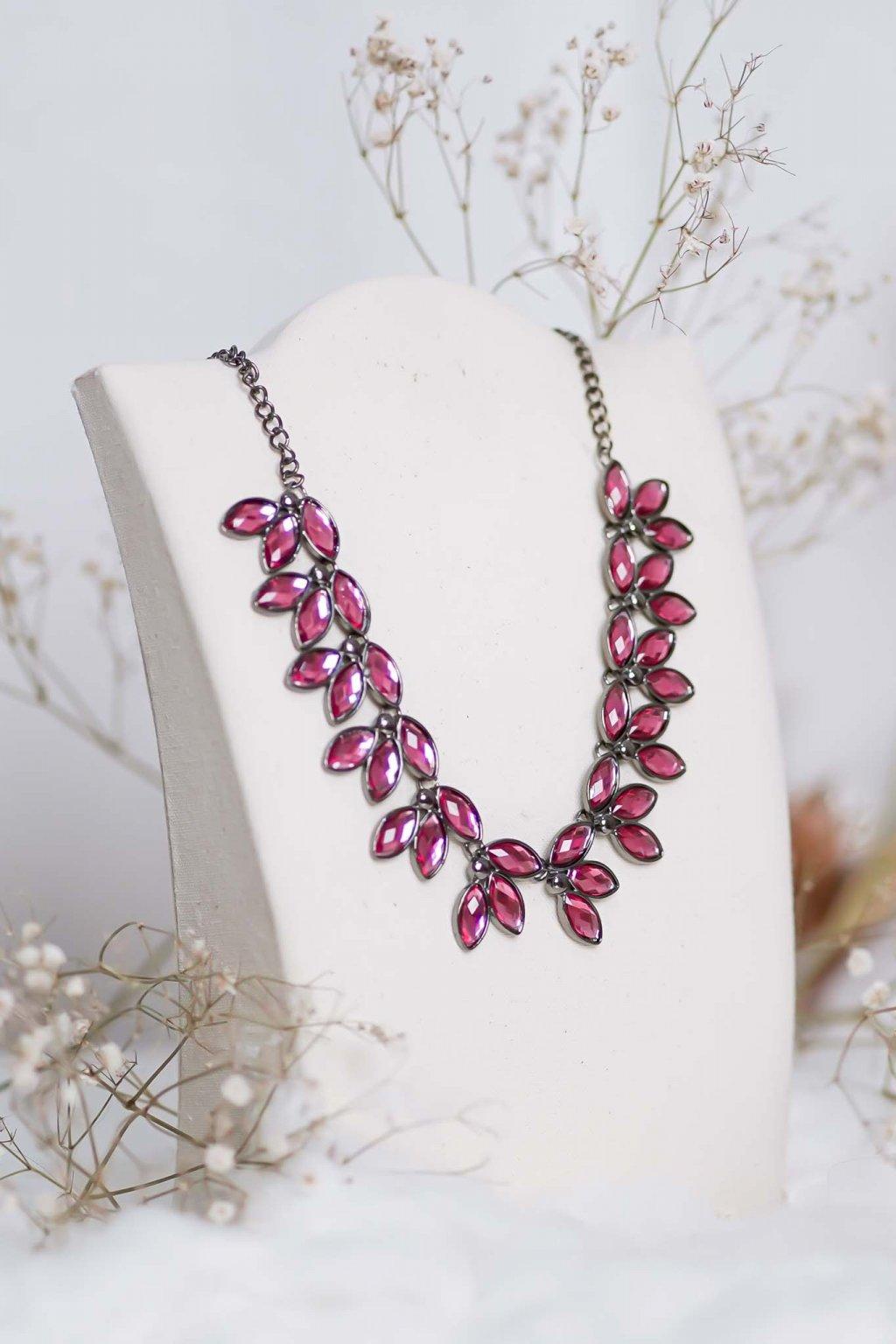 náhrdelník, spoločenský, bežný deň, kamienkový, farebný, čierny, strieborný, zelený, cyklamenévy, náhrdelník, bižuteria, šperk, šperky, ples, stužková, svadba, 036