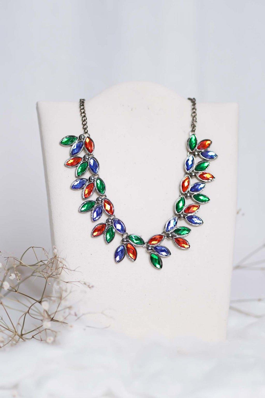 náhrdelník, spoločenský, bežný deň, kamienkový, farebný, čierny, strieborný, zelený, cyklamenévy, náhrdelník, bižuteria, šperk, šperky, ples, stužková, svadba, 024
