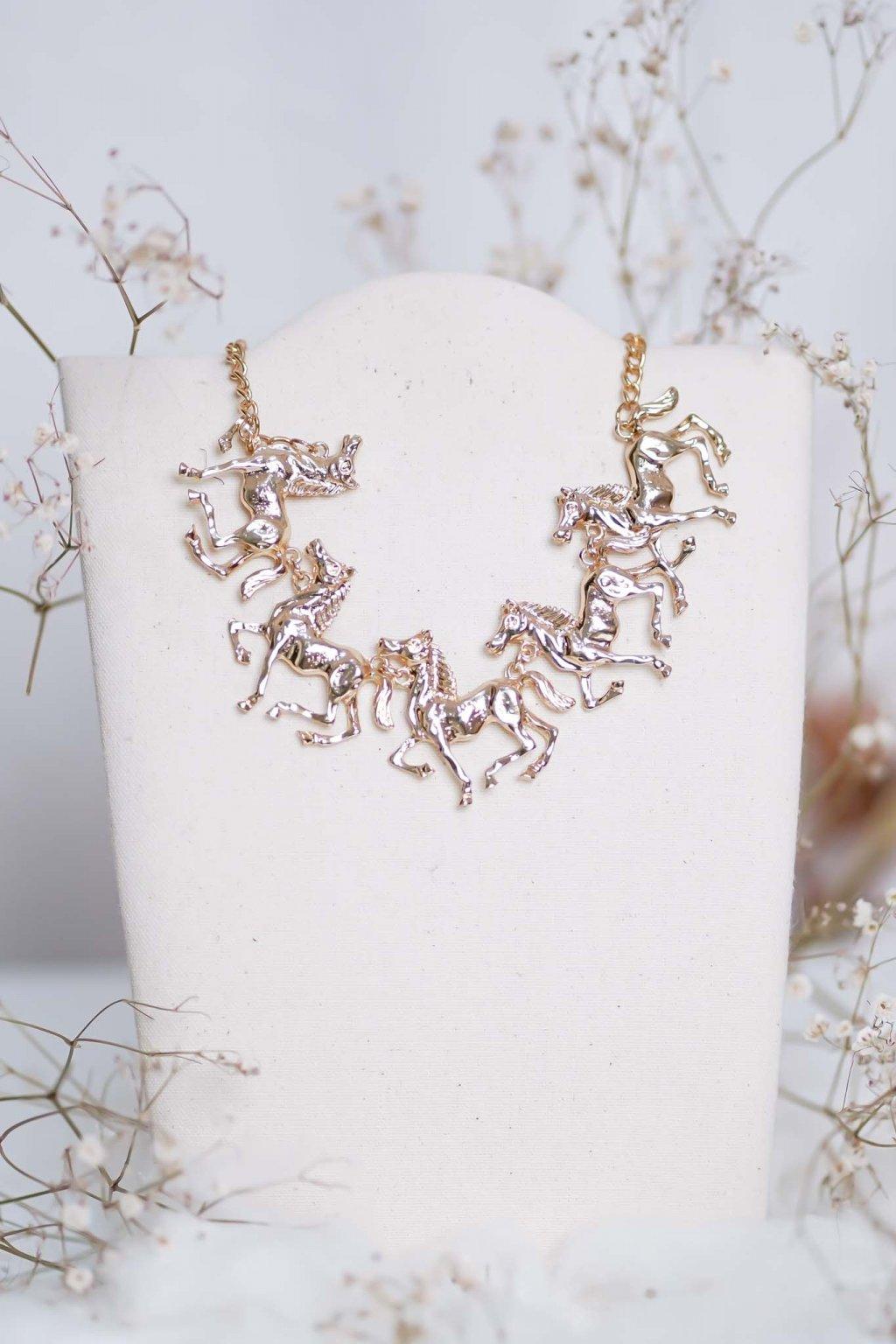 náhrdelník, spoločenský, bežný deň, kamienkový, farebný, čierny, strieborný, zelený, cyklamenévy, náhrdelník, bižuteria, šperk, šperky, ples, stužková, svadba, 044