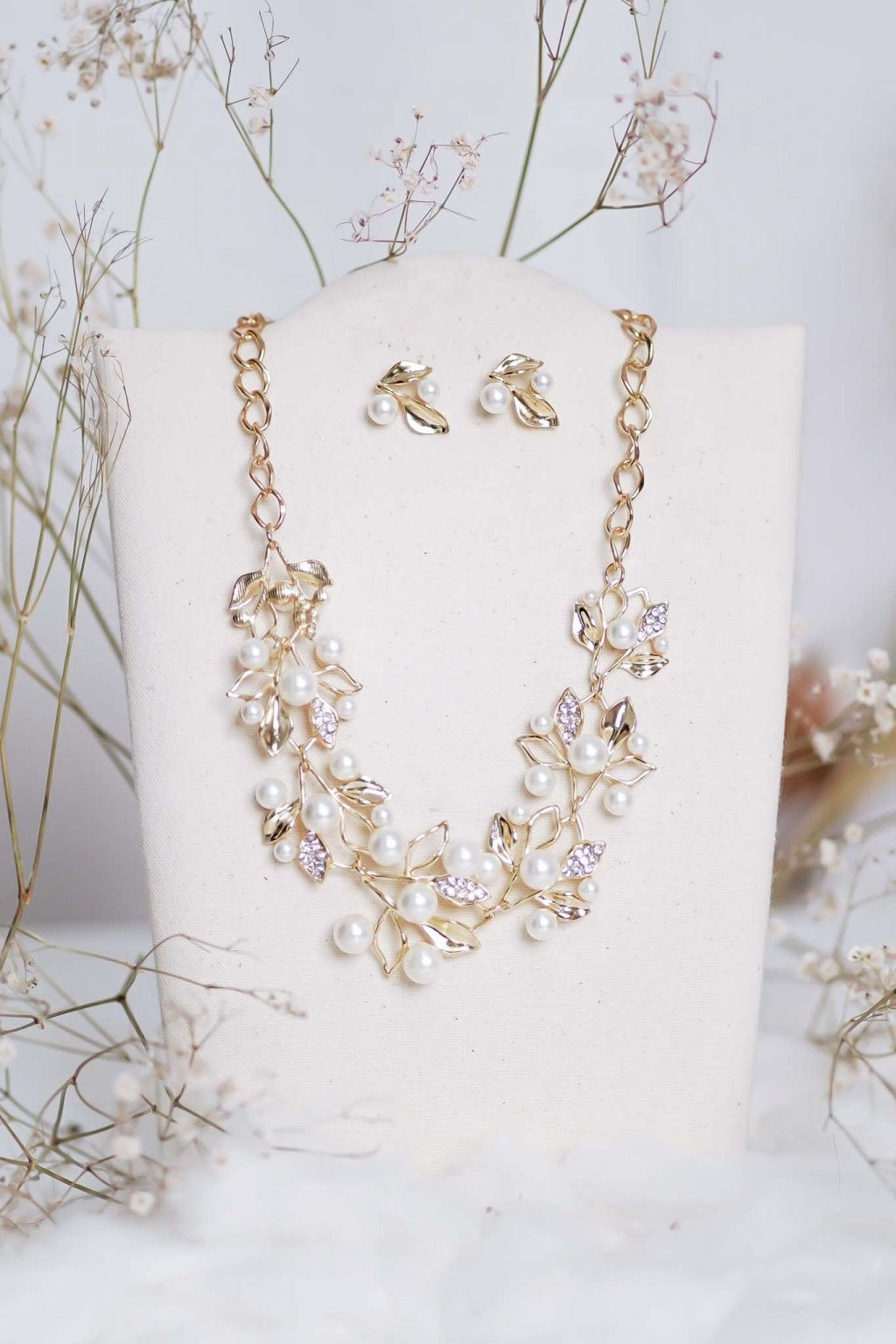 náhrdelník, spoločenský, bežný deň, kamienkový, farebný, čierny, strieborný, zelený, cyklamenévy, náhrdelník, bižuteria, šperk, šperky, ples, stužková, svadba, 040