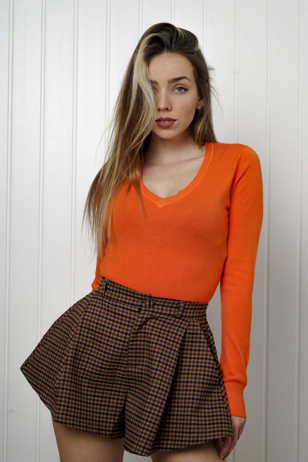 sveter, svetrík, sveter dámsky, úplet, úpletový sveter, jednoduchý sveter, v výstríh, štýlový, chlpatý,vzorovaný, srdiečkový, čierny, biely, farebný, 006