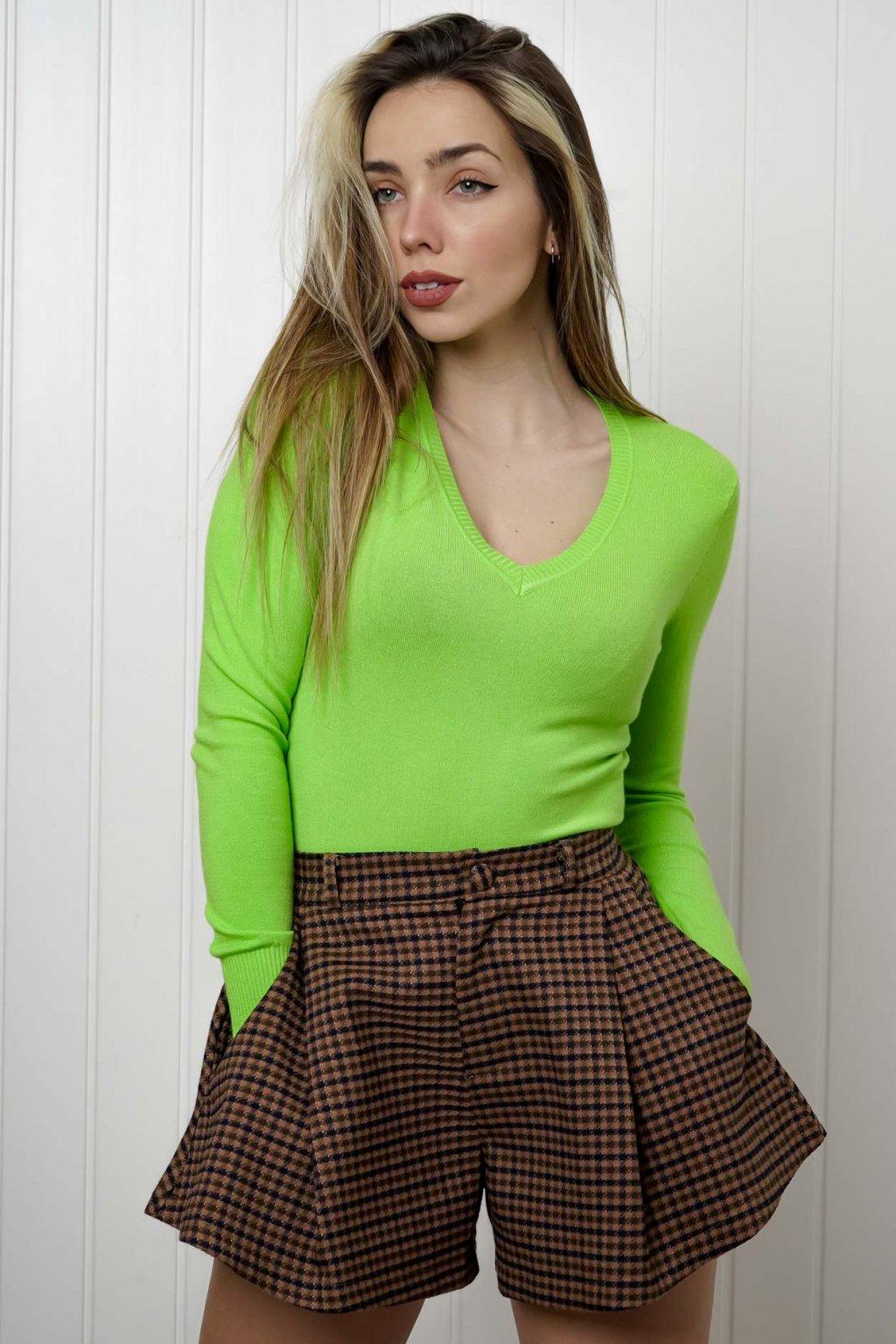 sveter, svetrík, sveter dámsky, úplet, úpletový sveter, jednoduchý sveter, v výstríh, štýlový, chlpatý,vzorovaný, srdiečkový, čierny, biely, farebný, 014