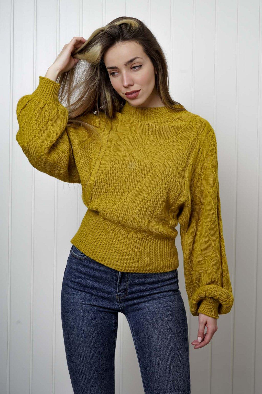 sveter, svetrík, sveter dámsky, úplet, úpletový sveter, jednoduchý sveter, v výstríh, štýlový, chlpatý,vzorovaný, srdiečkový, čierny, biely, farebný, 072