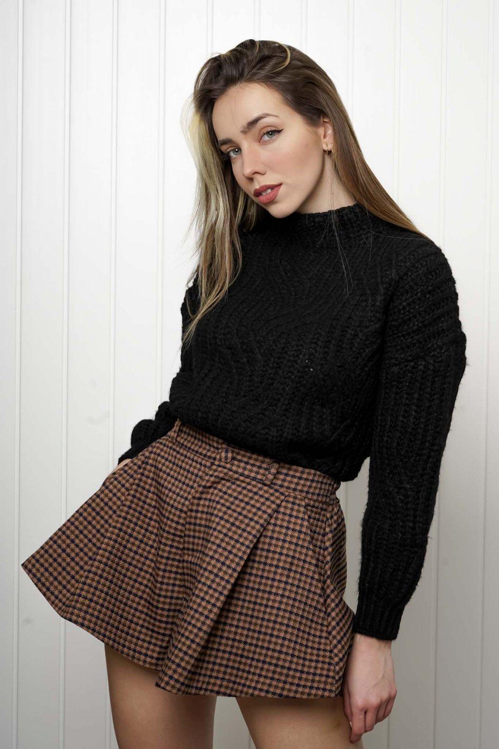 svetrík, pulover, čierny, zlaty, obtiahnutý, vrubkovaný 61