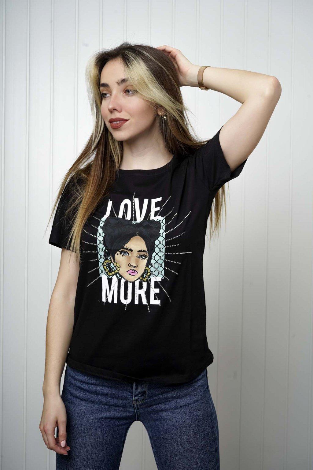 tričko, tričkové šaty, biele, čierne, žlté, vzorované, potlač, vyšívané, nášivky, fialové, street style, 29