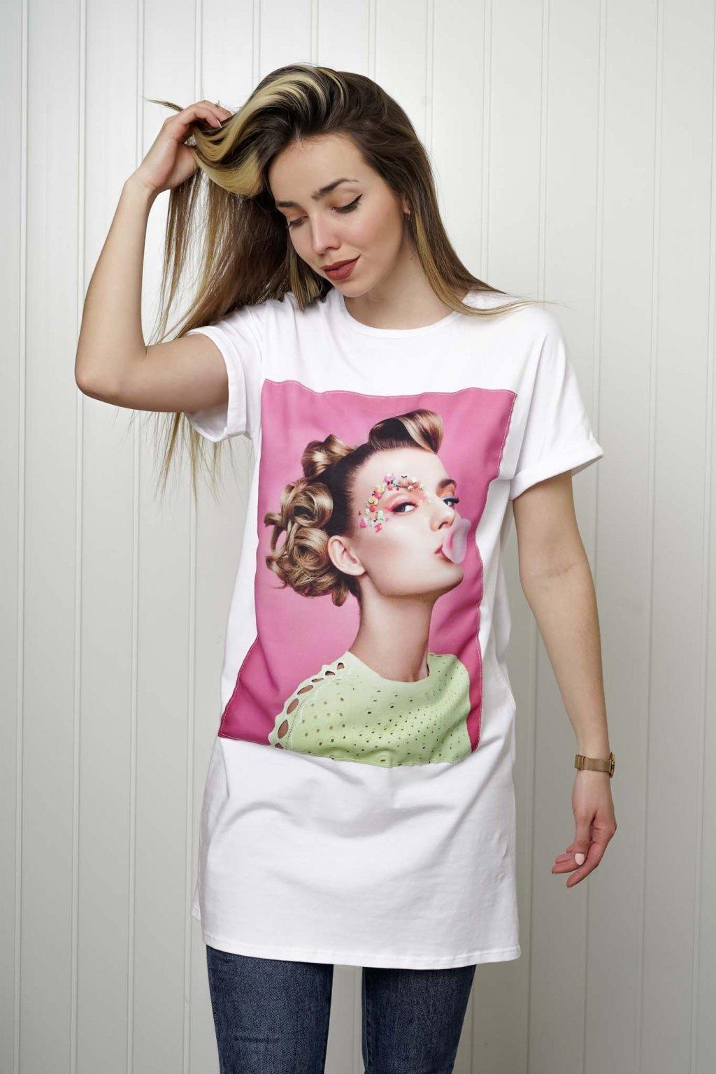 tričko, tričkové šaty, biele, čierne, žlté, vzorované, potlač, vyšívané, nášivky, fialové, street style, 09