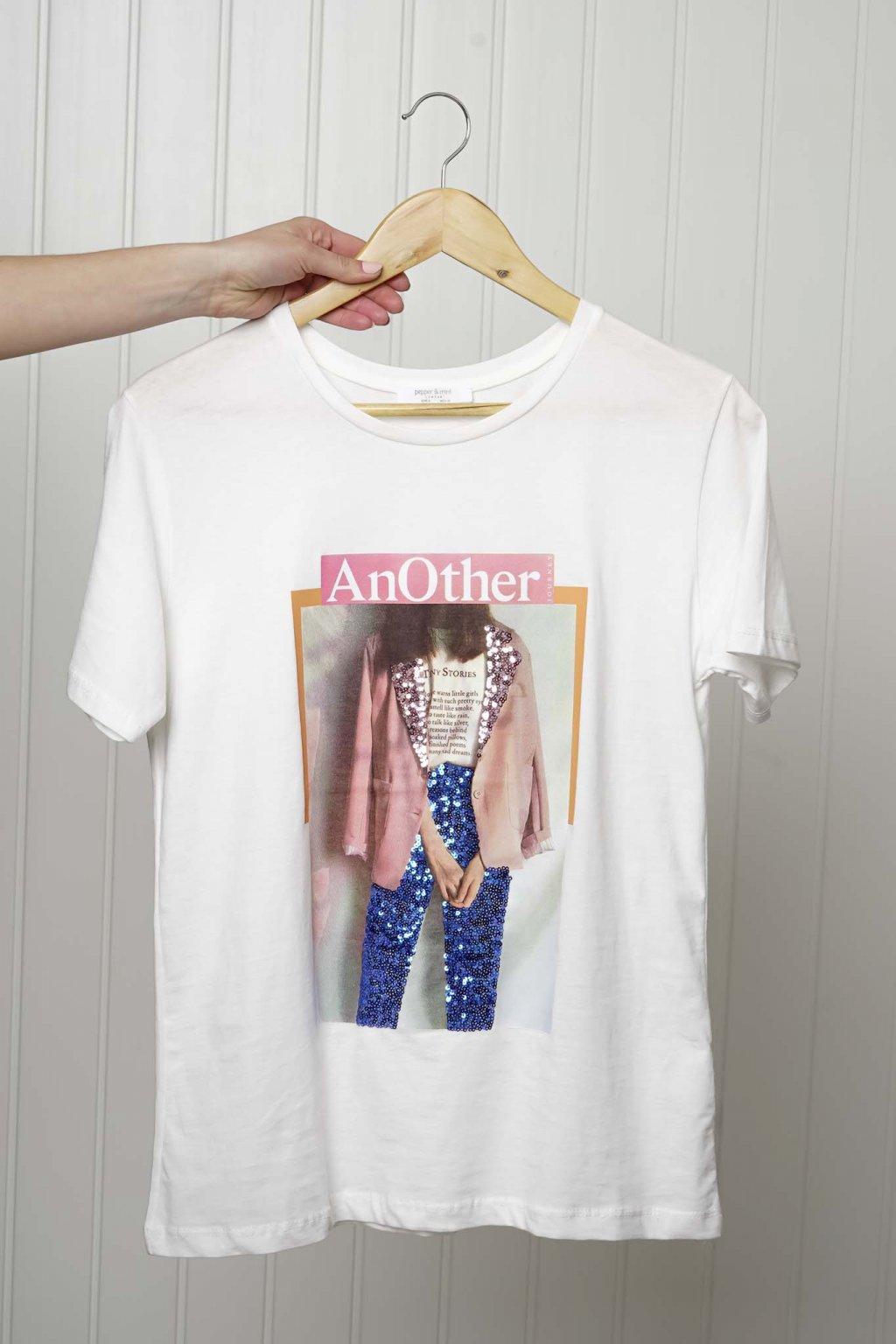tričko, tričkové šaty, biele, čierne, žlté, vzorované, potlač, vyšívané, nášivky, fialové, street style, 121
