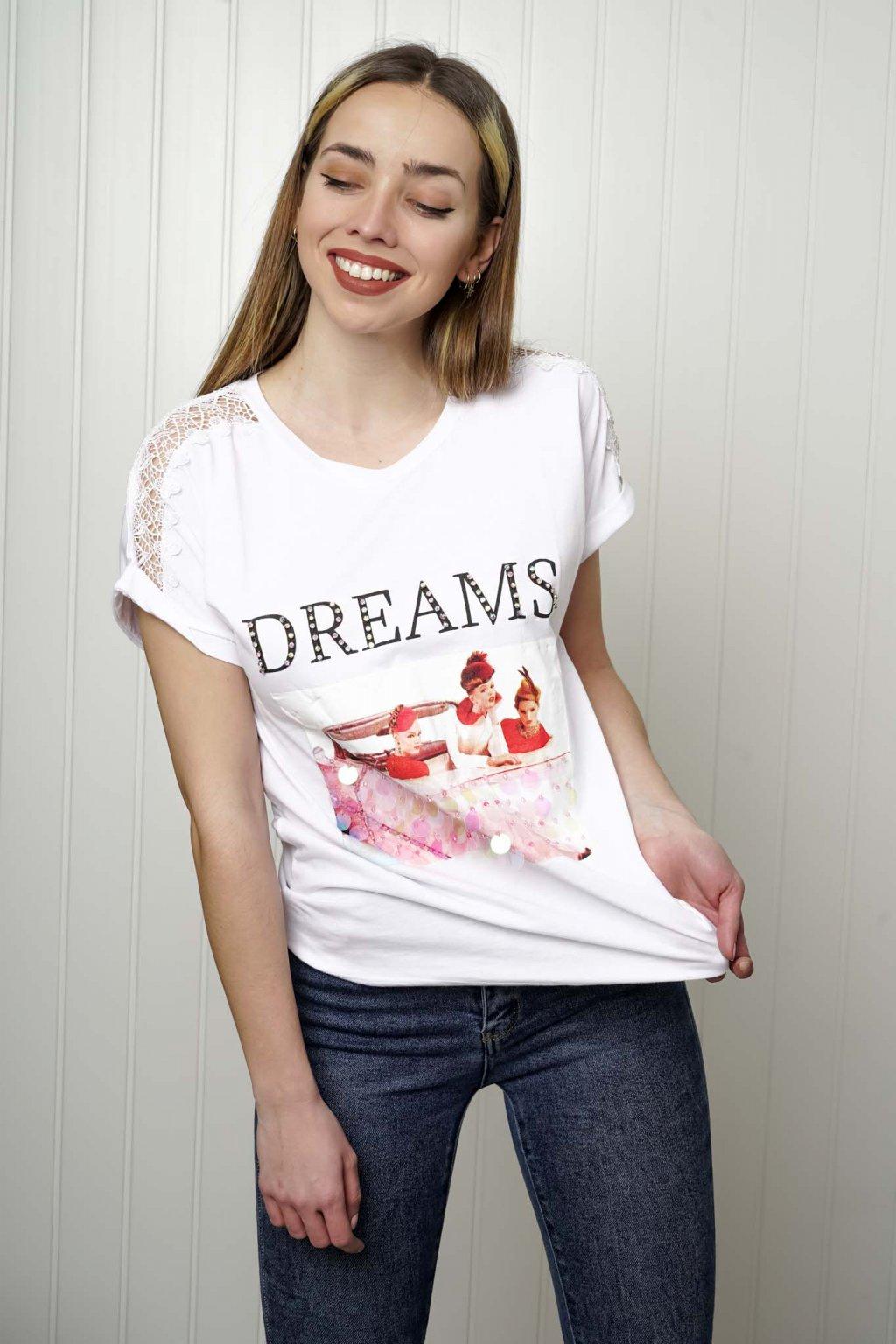 tričko, tričkové šaty, biele, čierne, žlté, vzorované, potlač, vyšívané, nášivky, fialové, street style, 129