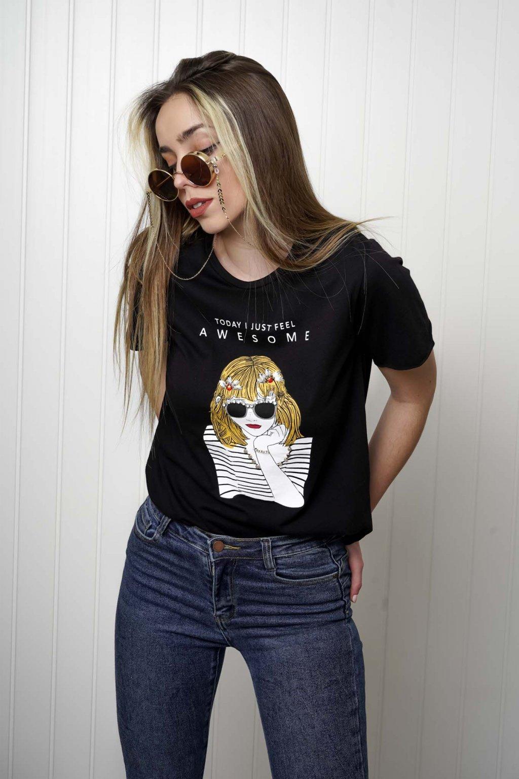 tričko, tričkové šaty, biele, čierne, žlté, vzorované, potlač, vyšívané, nášivky, fialové, street style, 145