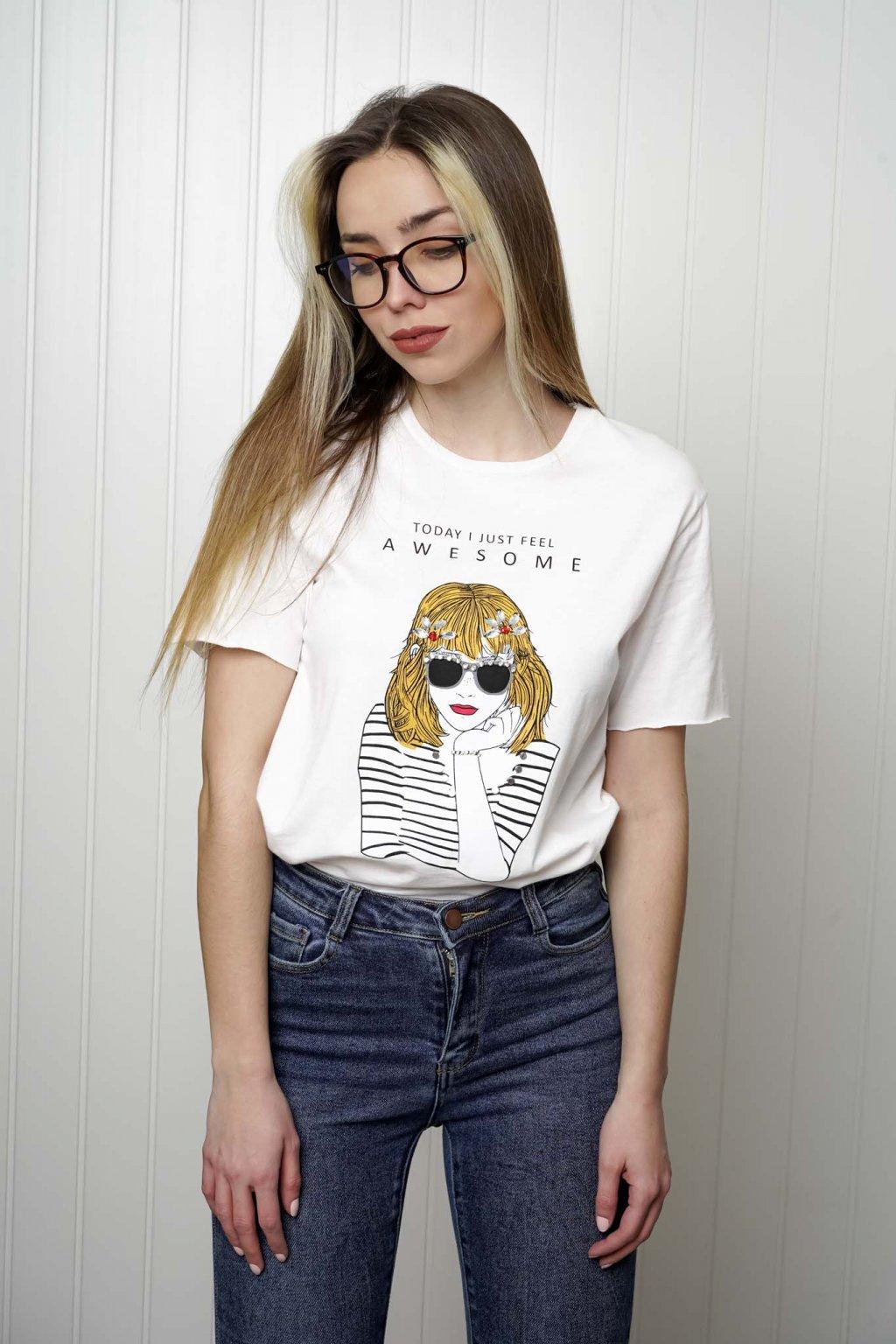 tričko, tričkové šaty, biele, čierne, žlté, vzorované, potlač, vyšívané, nášivky, fialové, street style, 149