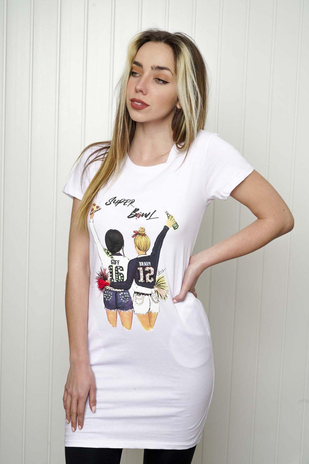 tričko, tričkové šaty, biele, čierne, žlté, vzorované, potlač, vyšívané, nášivky, fialové, street style, 220