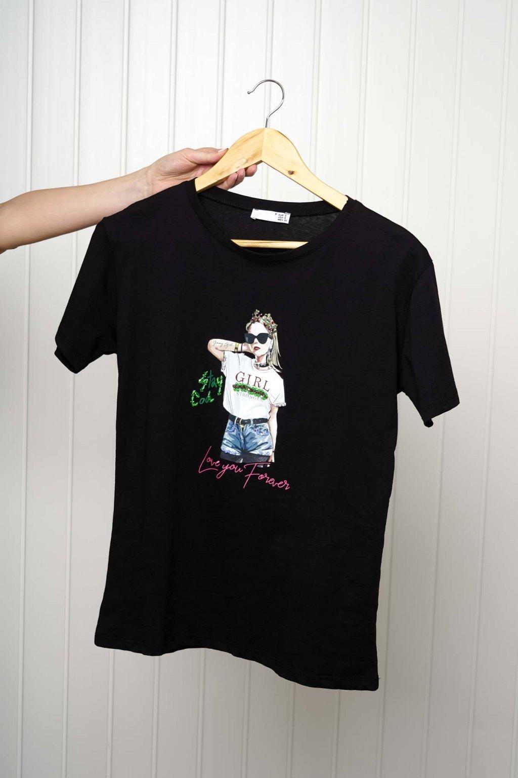 tričko, tričkové šaty, biele, čierne, žlté, vzorované, potlač, vyšívané, nášivky, fialové, street style, 280