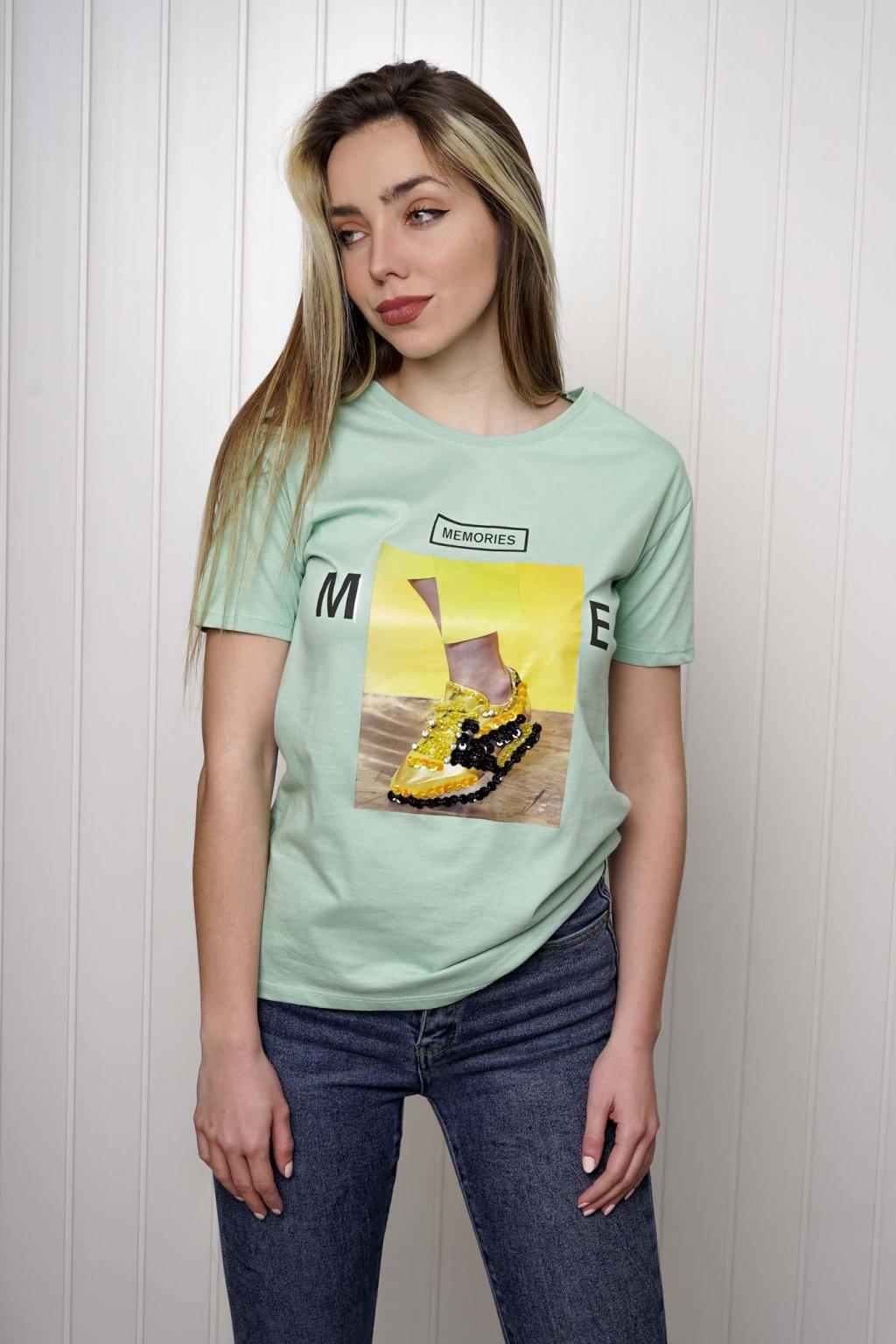 tričko, tričkové šaty, biele, čierne, žlté, vzorované, potlač, vyšívané, nášivky, fialové, street style, 304