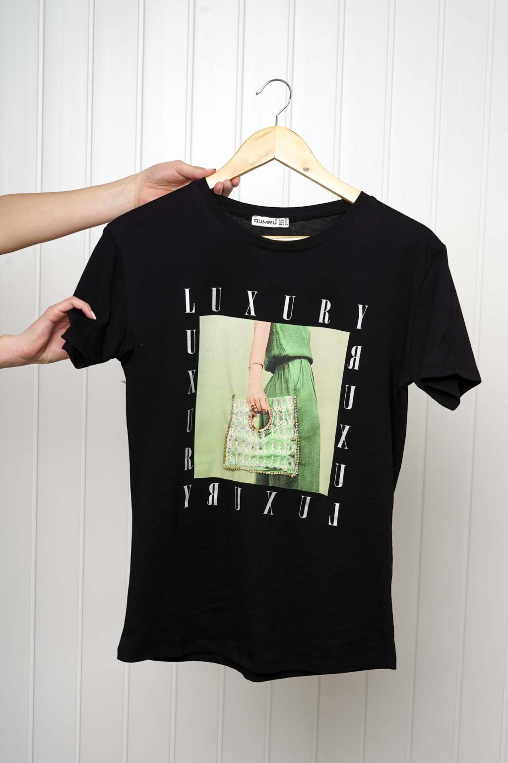 tričko, tričkové šaty, biele, čierne, žlté, vzorované, potlač, vyšívané, nášivky, fialové, street style, 317