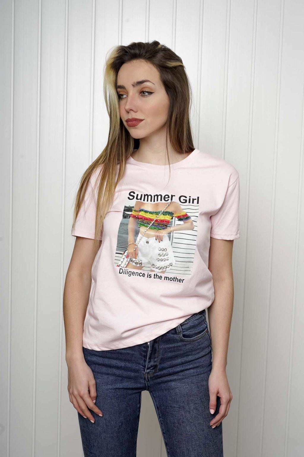 tričko, tričkové šaty, biele, čierne, žlté, vzorované, potlač, vyšívané, nášivky, fialové, street style, 318