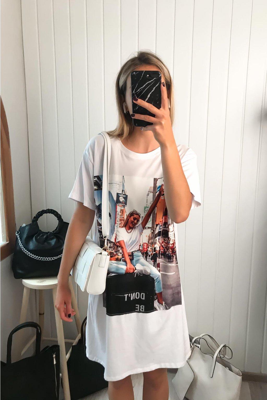 Biele predĺžené tričko, tričko s potlačou, tričkové šaty, bavlnené tričko, cribs.sk, butik prešov, Hlavná 120, Bardejov, trendy, štýlové dlhé tričko , tričko s dizajnom, new york tričko (1)