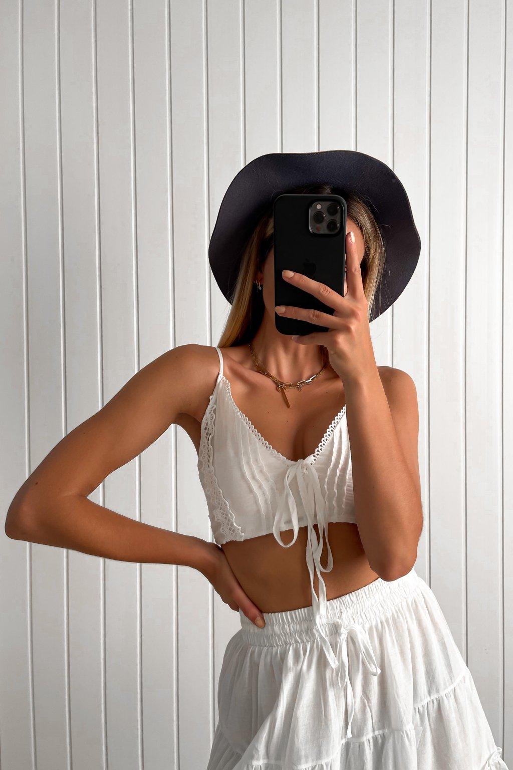 Biely madeirový top