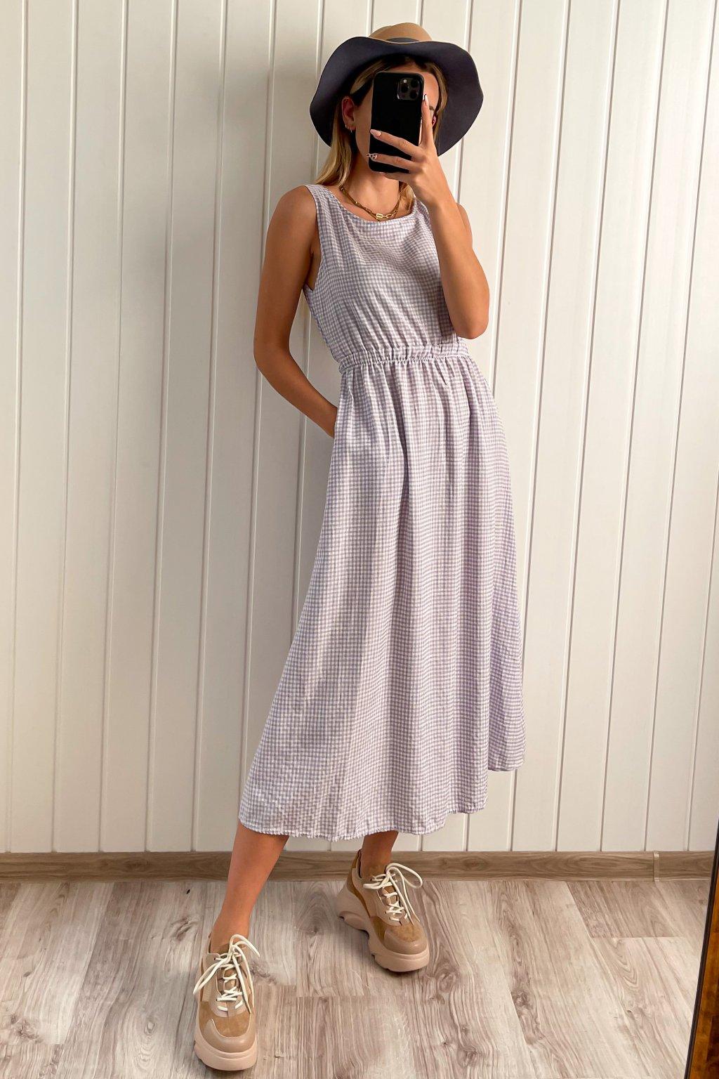 Midi šaty s výstrihom na chrbte