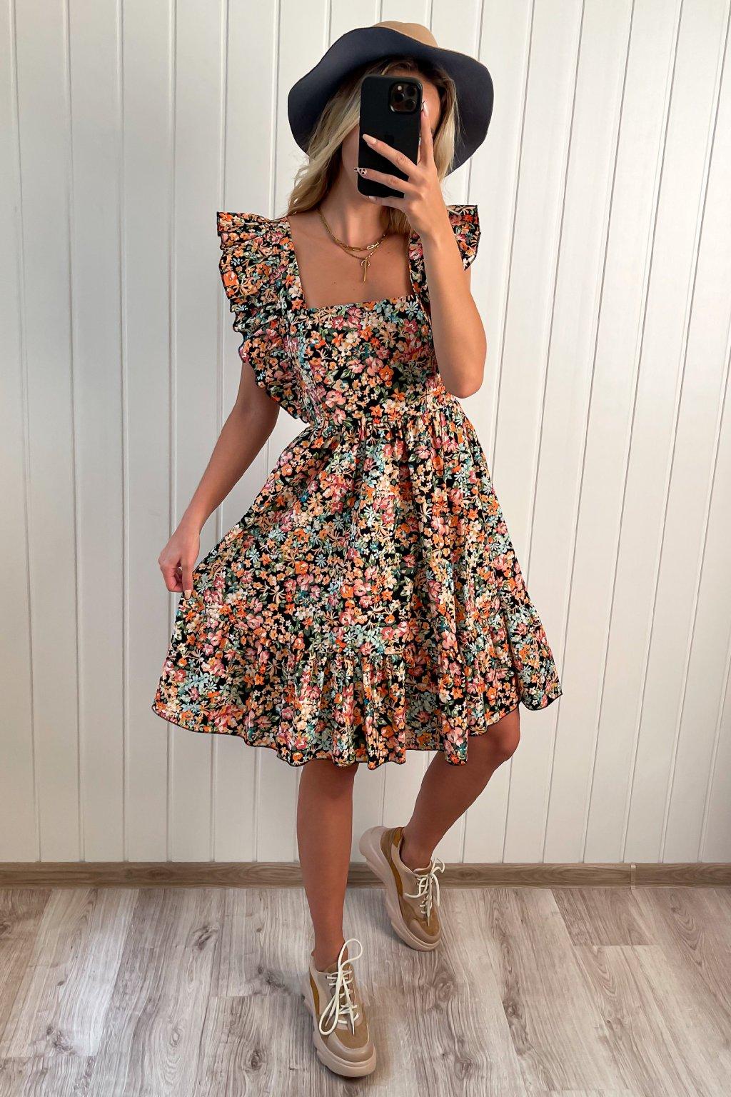 Kvetinové šaty s výstrihom na chrbte s mašľou