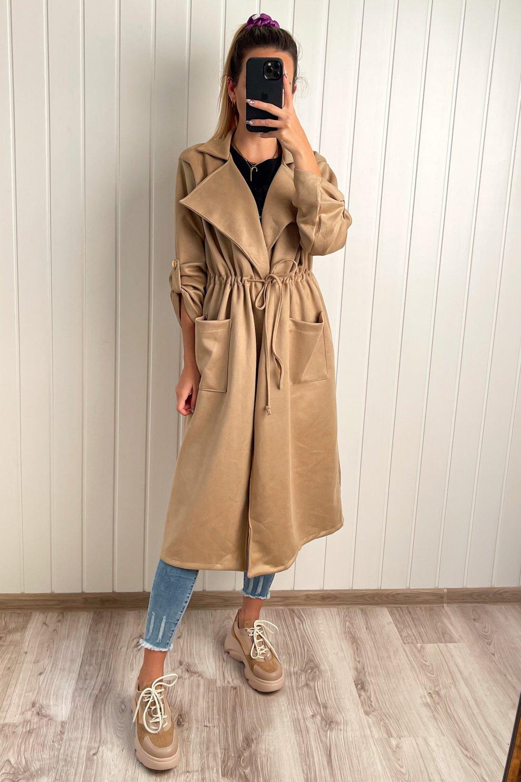 Dlhý prechodný kabátik