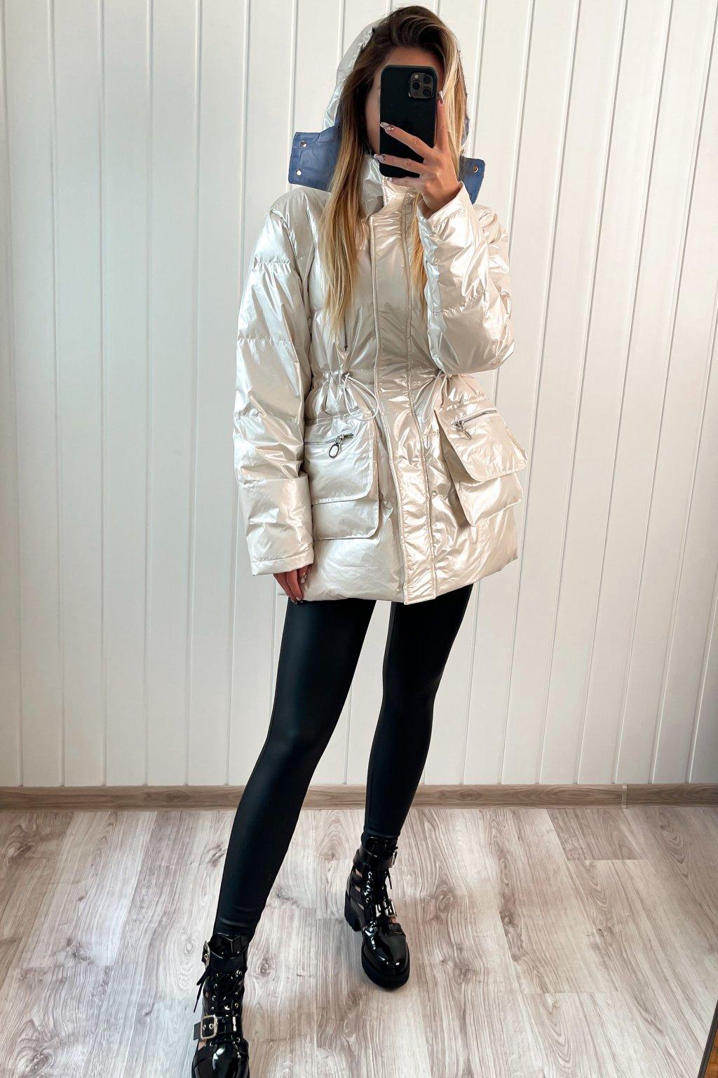 Lesklá prešívaná bunda biela