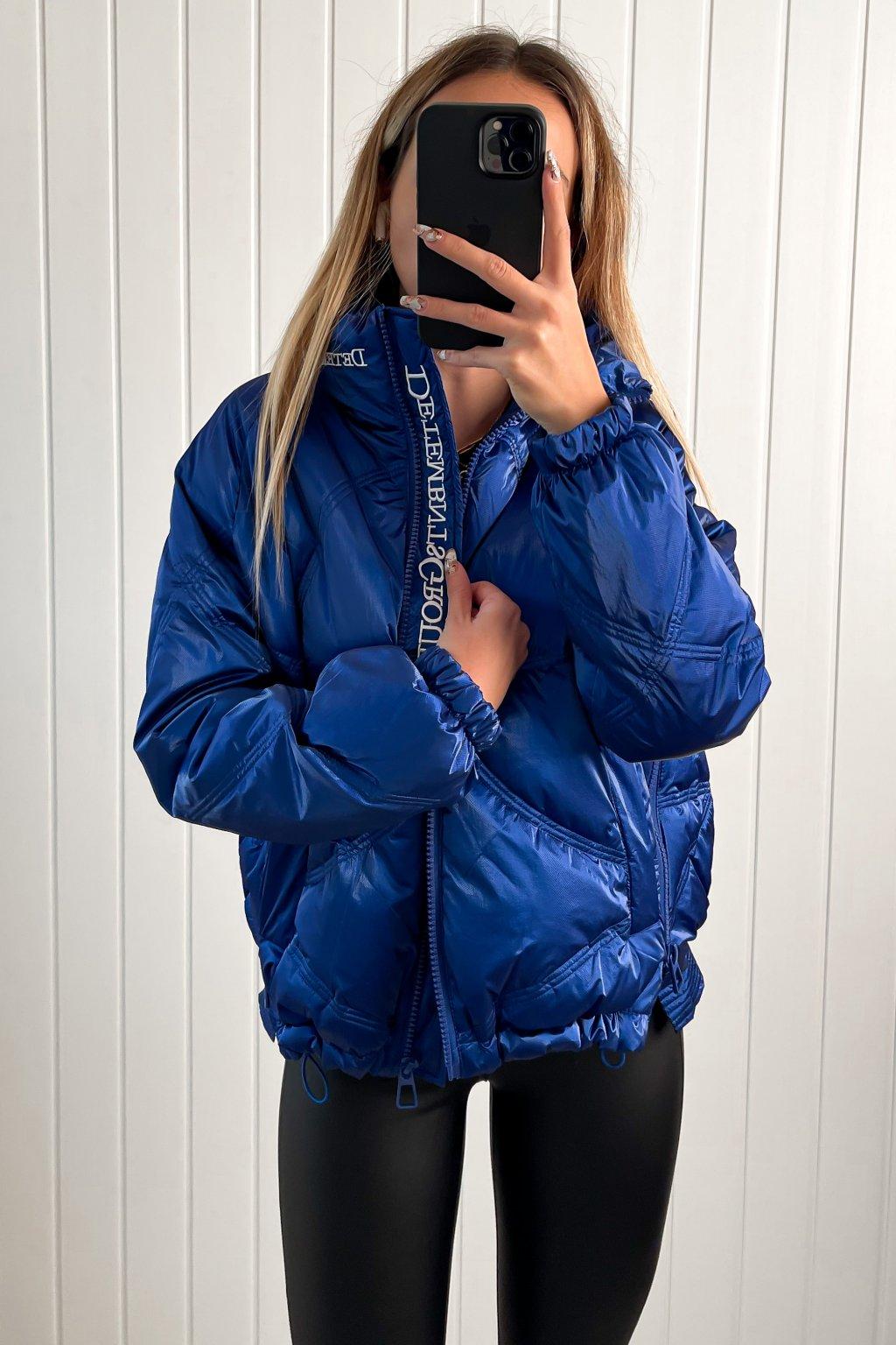 Lesklá prešívaná oversize bunda modrá