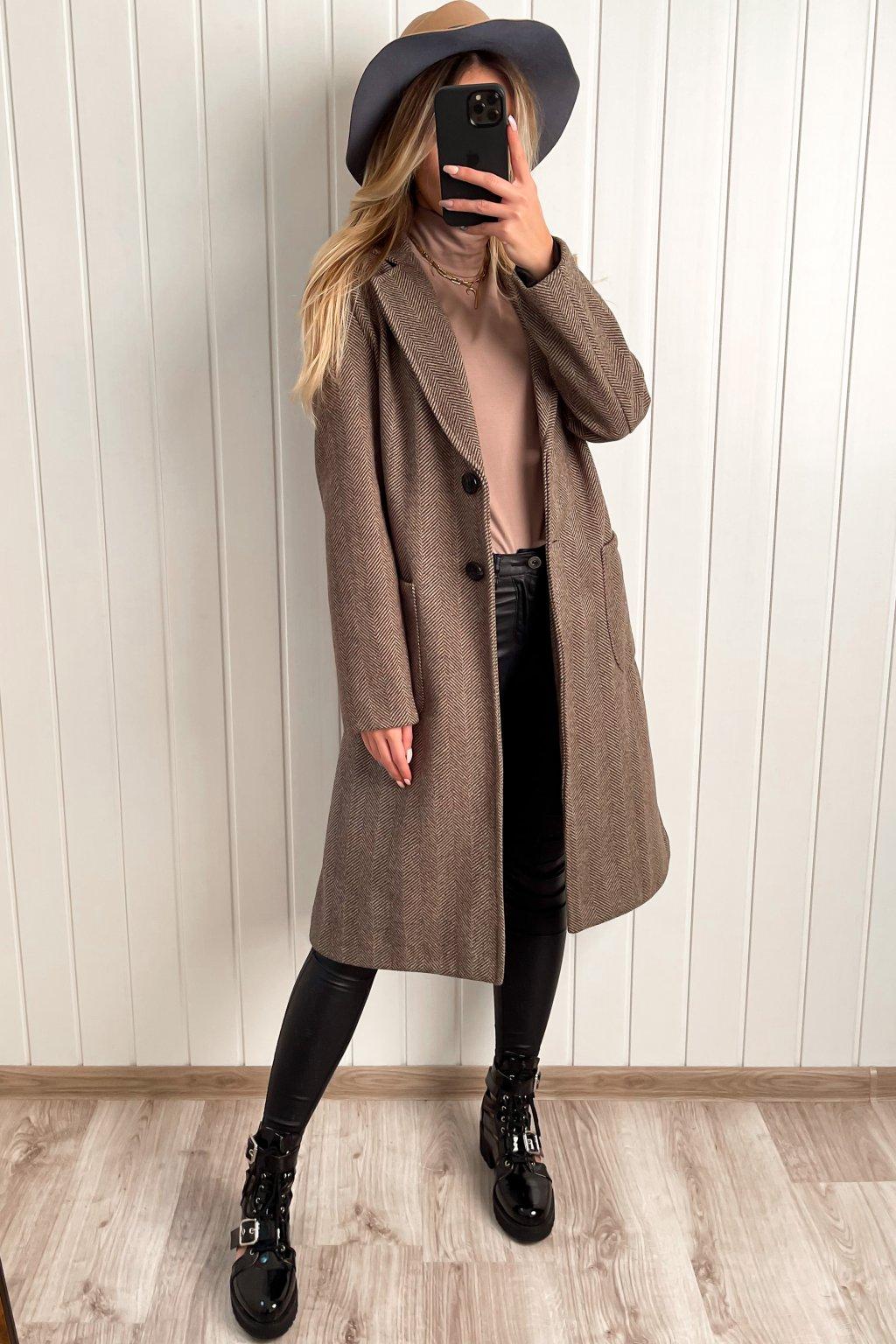 Oversize kabát v pánskom strihu hnedý