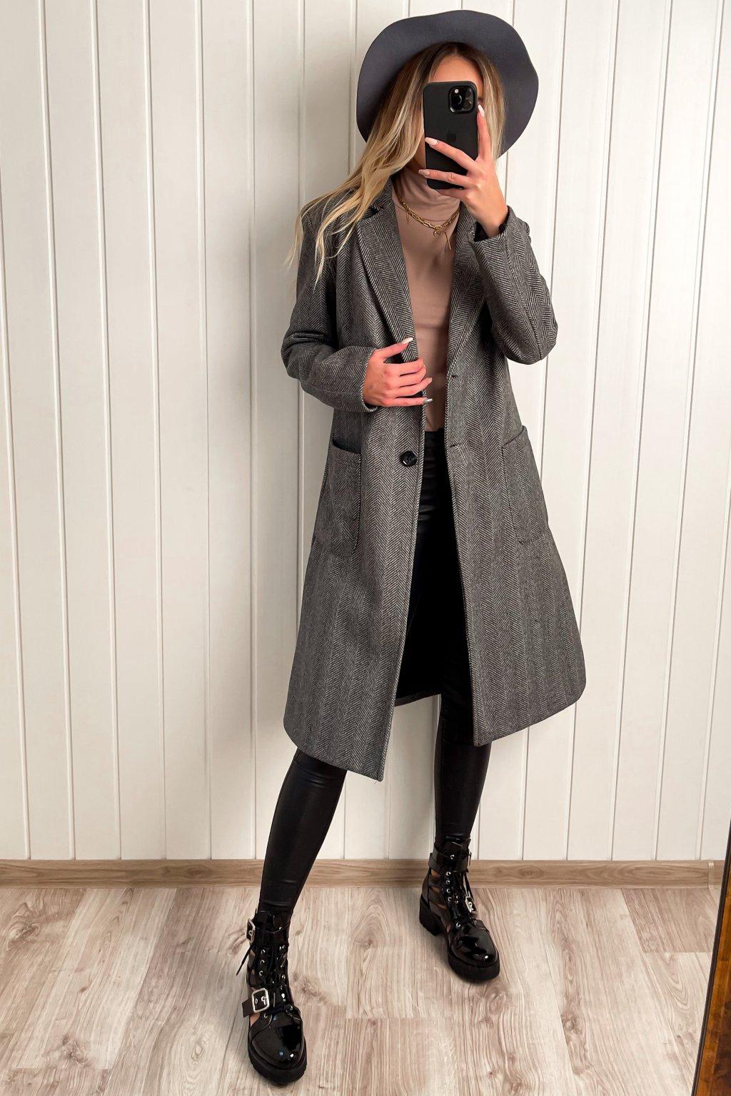 Oversize kabát v pánskom strihu sivý